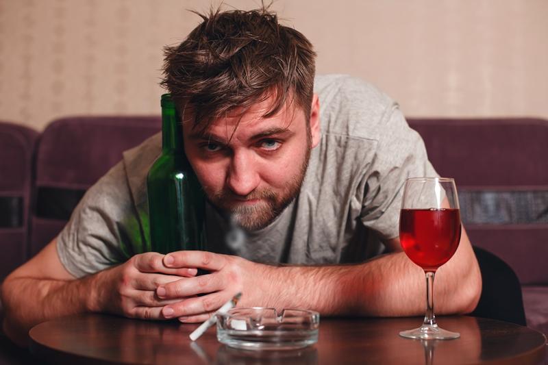 czerwony rumień po piciu